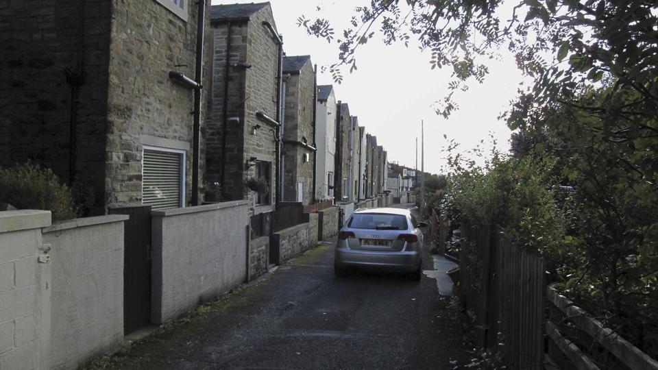 Back-Blackburn-Rd-fr-Vicarage-Ave